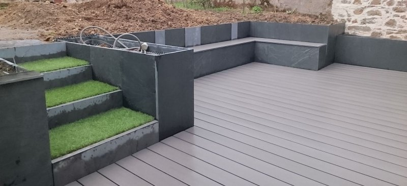 retenue en ardoise escalier et r alisation d 39 une terrasse en bois composite arst l. Black Bedroom Furniture Sets. Home Design Ideas